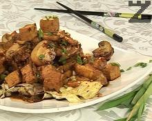Пържено тофу със зеле и печурки