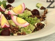 Празнична туршия от яйца със зелена салата