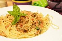 Спагети с червено песто