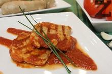 Свински стекове с доматено-джинджифилов сос