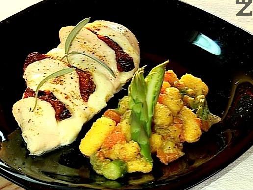 Пиле с аспержи, домати и ньоки от картофи