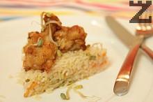 Пържени крилца по китайски с ориз и домати
