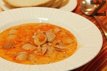 Унгарска супа със зрял фасул и кренвирши