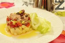 Салата с риба тон и картофи