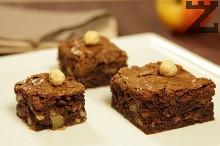 Шоколадов сладкиш с ябълки и орехи