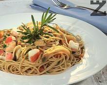 Пълнозърнести спагети с морски дарове