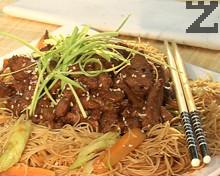 Свинско със спагети по тайландски