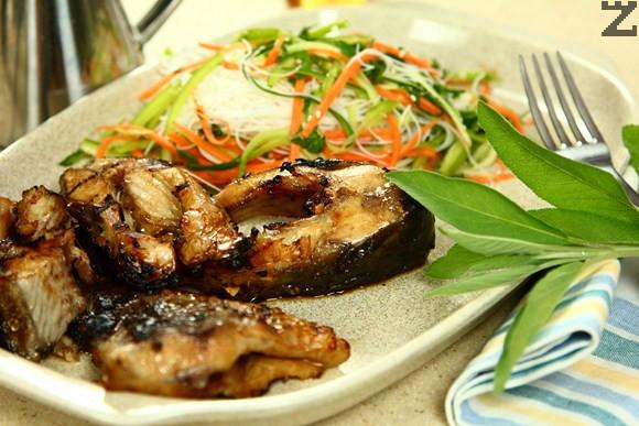 Шаран на скара с азиатска марината