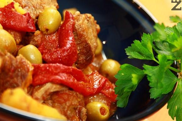 Телешко с картофи и зелени маслини