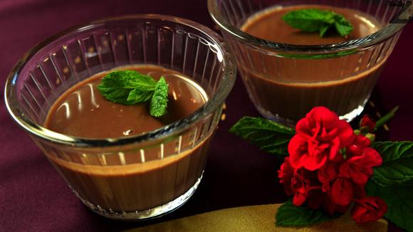 Сметанова наслада с шоколад