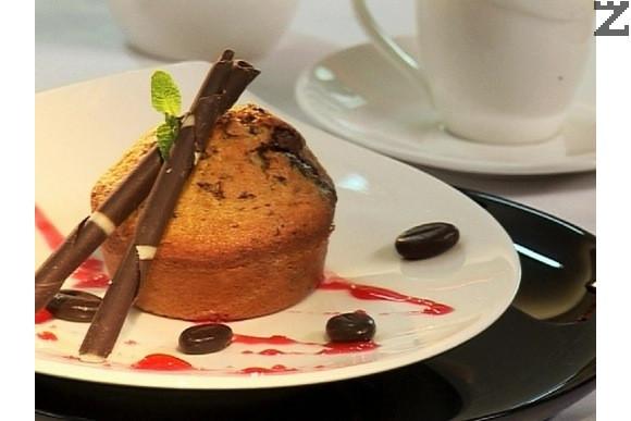 Ванилов мъфин с парченца шоколад