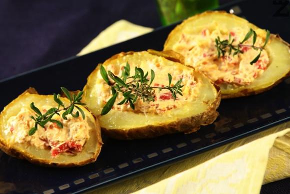 Пълнени картофи с крема сирене и бадеми