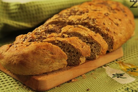 Ръжено-пшеничен хляб със ленено семе