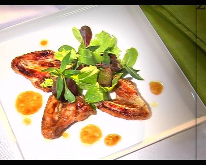 Пилешки крилца с медено-чеснов барбекю сос