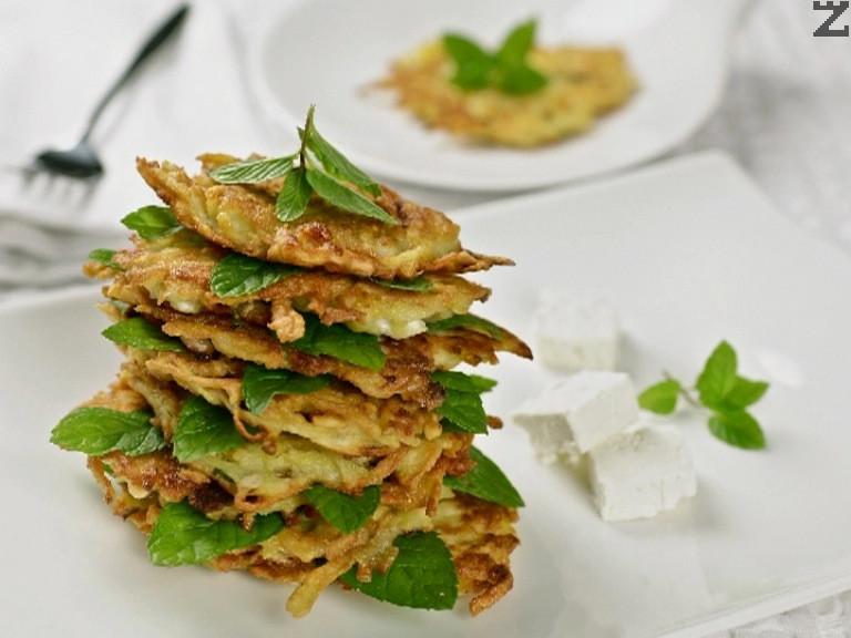 Картофени палачинки със сирене и джоджен