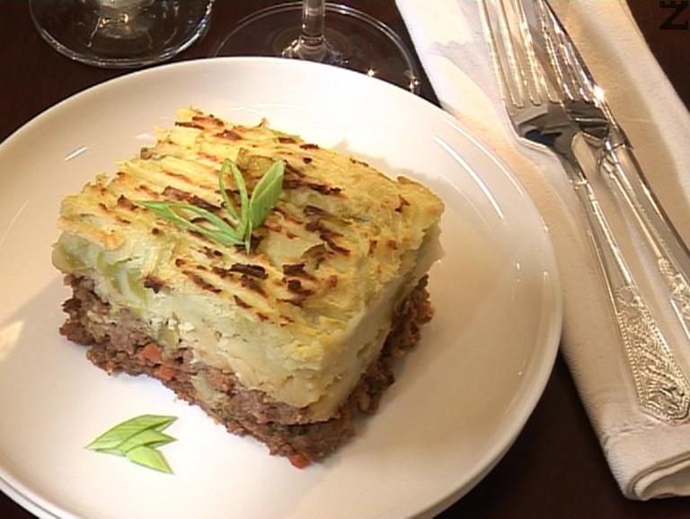 Котидж пай - ирладнски пай с кайма и запечени картофи