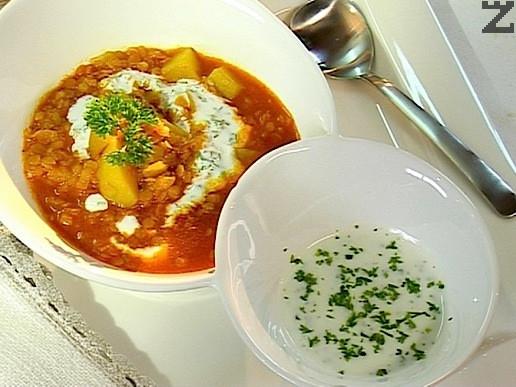 Червена леща с картофи и къри