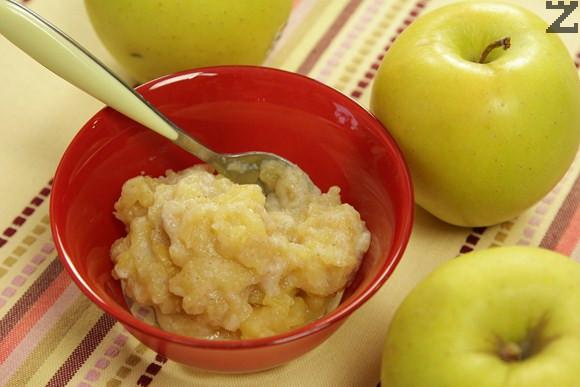 Безмлечна оризова каша с печена ябълка