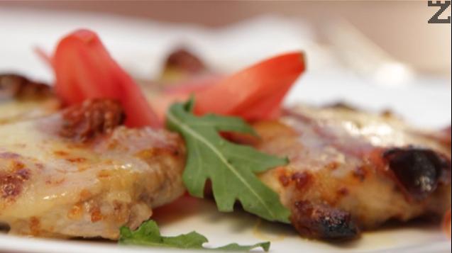 Свински карета със сушени домати и моцарела