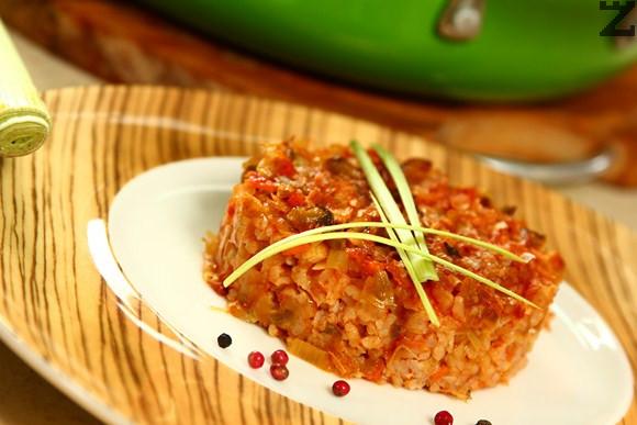 Праз с ориз и кисели краставички