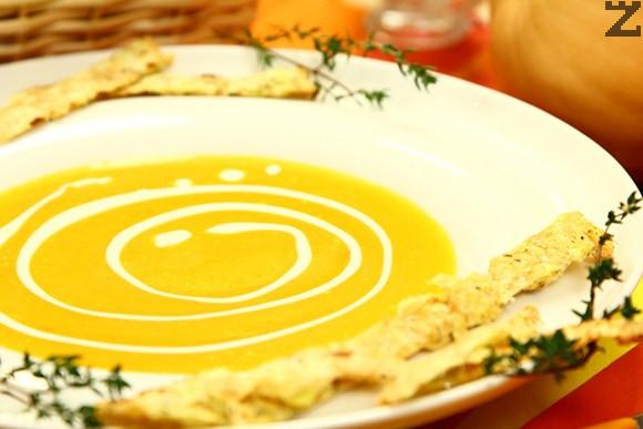 Крем супа от тиква с картофена солета