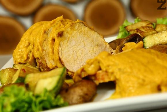 Свинско контра филе със зеленчуков сос