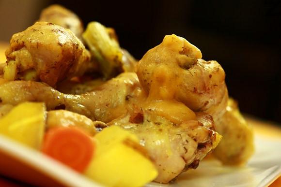 Пилешки кълки с праз