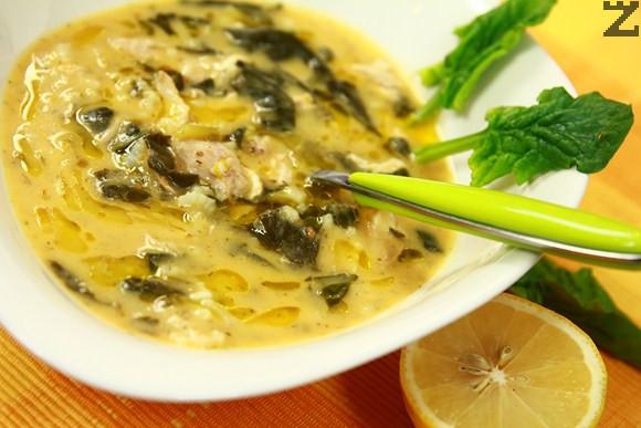Пилешка супа със спанак по гръцки