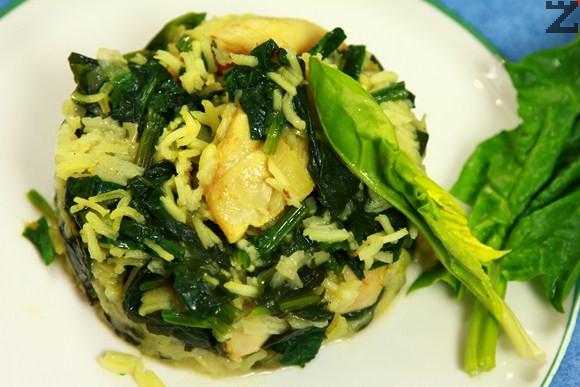Пиле къри с ориз и спанак