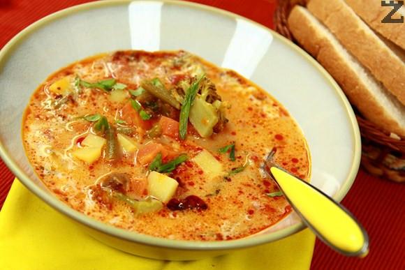 Зеленчукова супа с червено къри