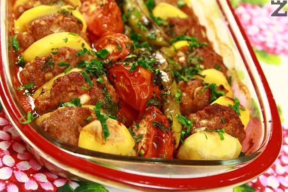 Кюфтета с картофи на фурна