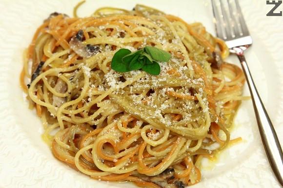 Спагети със синьо сирене и гъби