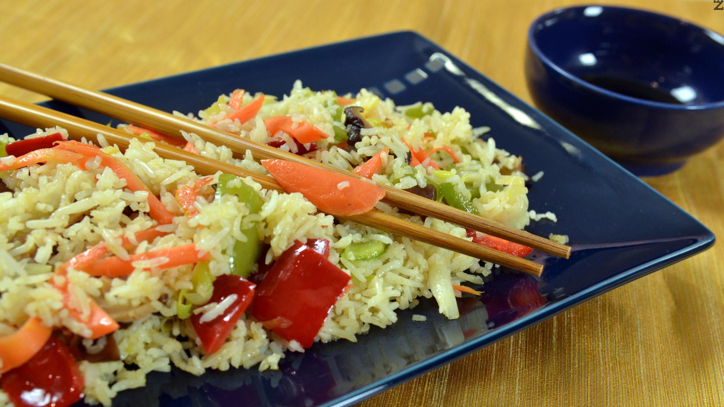 Ориз с зеленчуци по китайски