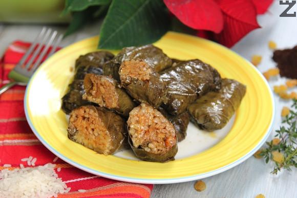 Лозови сарми с ориз и кафе на Чудомир
