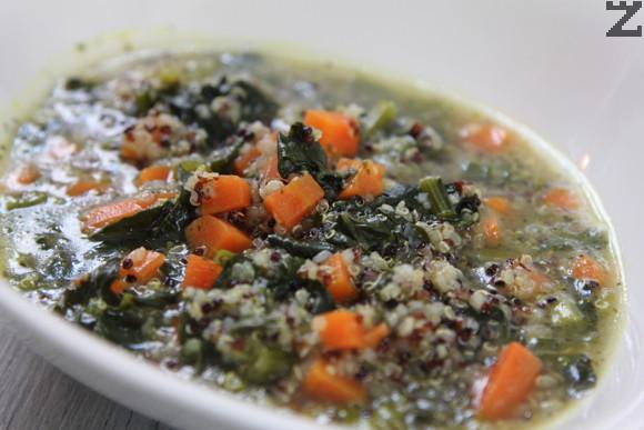 Супа от спанак с киноа