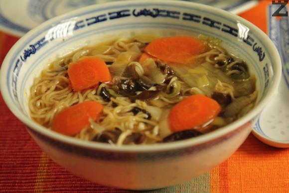 Китайска супа с черни гъби