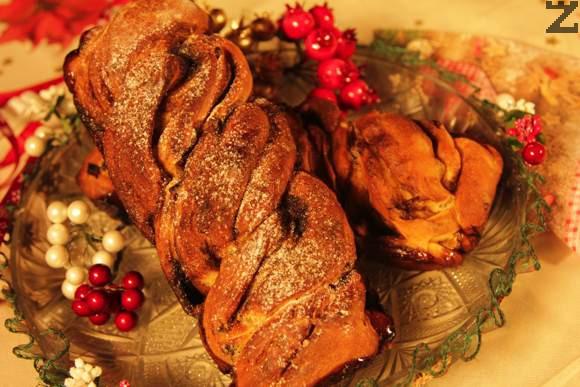 Сладък хляб със стафиди и канела