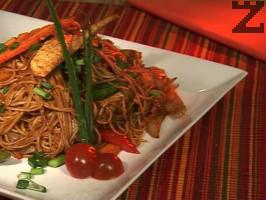 Спагети с пиле по непалски