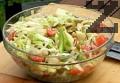 Смесваме всички зеленчуци, затваряме ги в кутия и ги поставяме в хладилник.