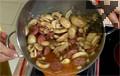 Сместа се слага в тава за печене. Слага се и запържената наденица и печем в загрята до 180С фурна за 30 минути. Накрая се подправя с дребно нарязан магданоз и копър.