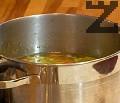 След като супата заври, прибавяме ориза, варим 8-10 мин.