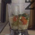 Пюрираме сварените зеленчуци заедно с малко от бульона и копъра. Доливаме останалия бульон, отново пюрираме.