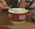 Слагаме в бульона 1 ½ с.л. ориз, варим до готовност. Връщаме смлените продукти в супата.