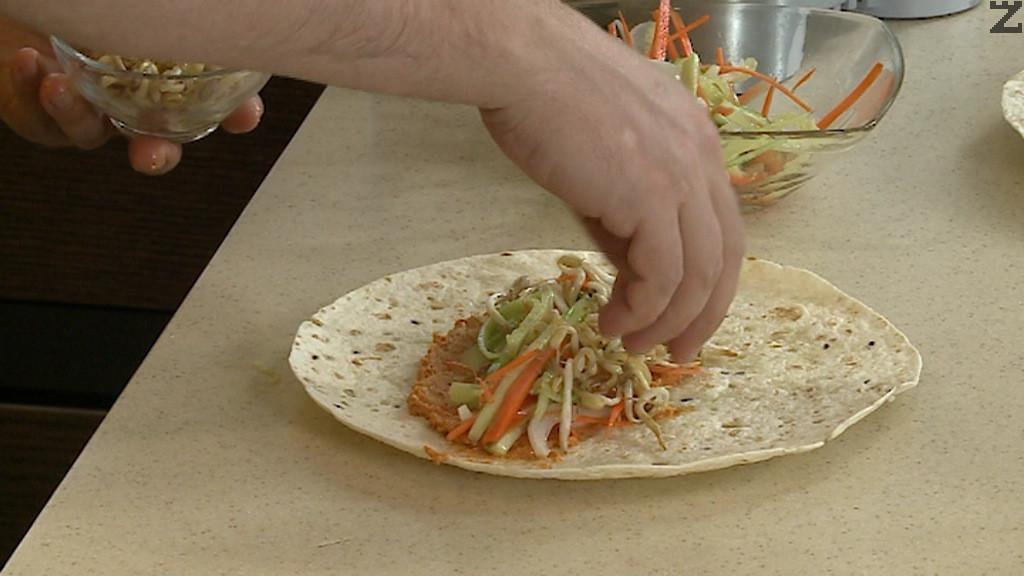Слагат се от маринованите с оцет зеленчуци.