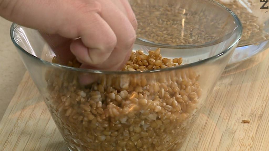 Лимеца се накисва във вода за няколко часа. След това се слага в 1 л. гореща вода и се вари за 20 минути. Отцежда се и оставя да изстине.