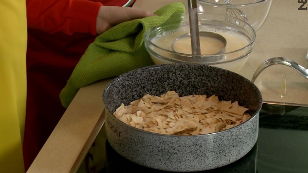 Юфката се поставя в тава ( 30 см ) в предварително затоплена фурна на 160 С и запича за 10 минути.