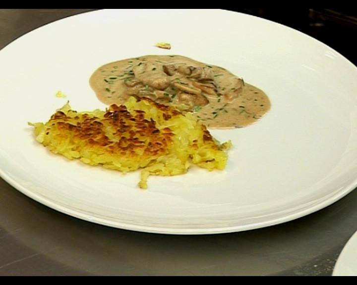 Готовите рьощи се режат на четири и слагат в чиния, до тях се слага от месото и подправя с кервел ( магданоз )